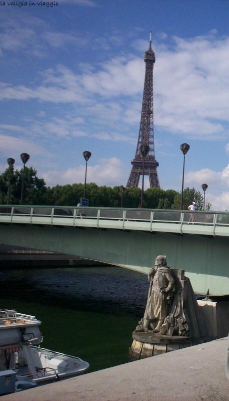 Parigi, Lo Zuavo del ponte dell'Alma