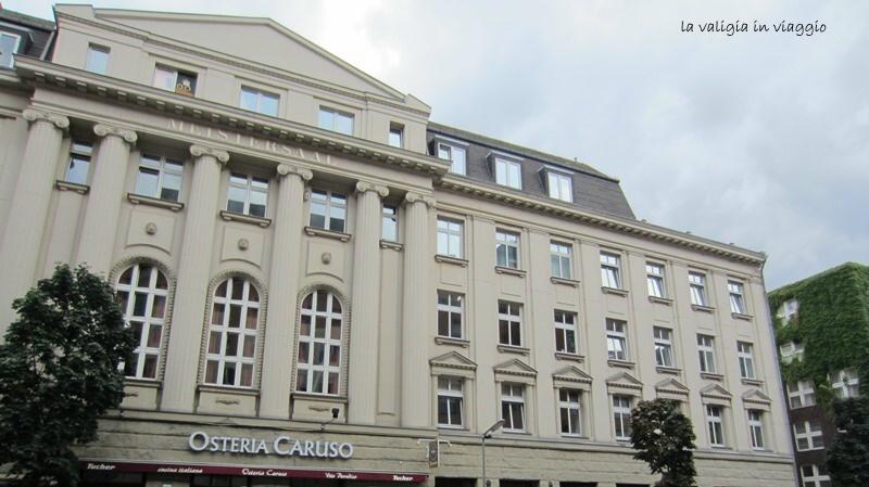 L'edificio degli Hansa Studios, dietro Potsdamer Platz